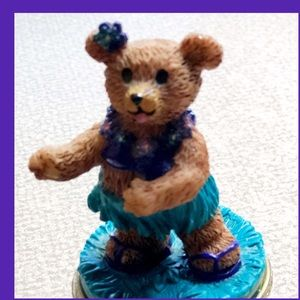 Claire's Official 'Bear of the Year' Winner 1999